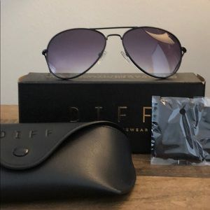 🆕 NWT DIFF Cruz Aviator Sunglasses